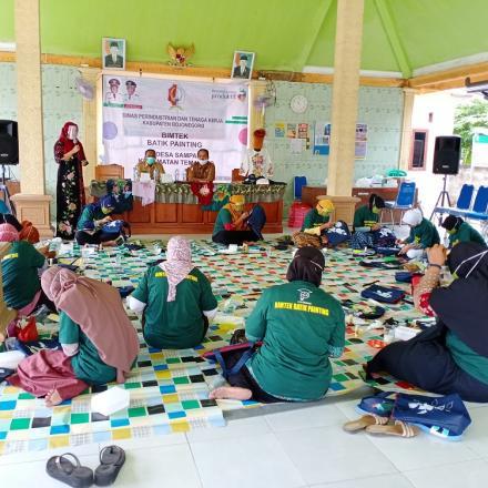 Bimtek Batik Painting oleh Dinas Perindustrian dan Tenaga Kerja Kab. Bojonegoro